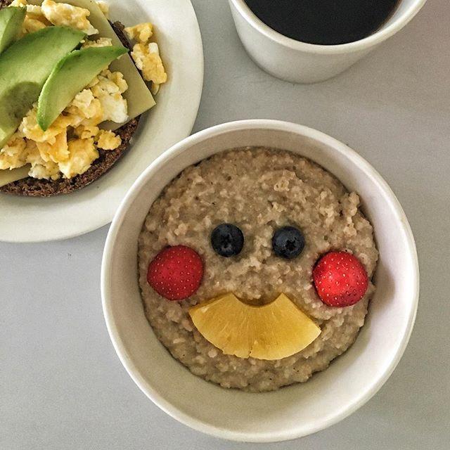 Have a great weekend my Friends 😊❣ #weekend #breakfast #smilefeeder #smile #power #healthyfood #healhtylife #healthybody #healthymind #porridgelover #porridgepassion #porridgesmileys #porridgestagram #everydayisanewopportunity #oatmeal #prettysmile #puuronaama #terveellistä #hymyile #säootsöpö ☀️
