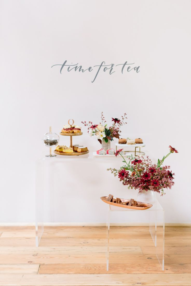 Modern elegant tea party: Photographer : Anna Wu Photography Read More on SMP: http://www.stylemepretty.com/living/2016/10/03/tea-time-just-got-a-whole-lot-cooler/