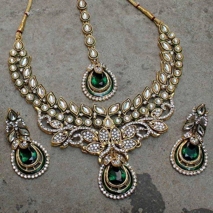 Shashi Necklace + Earrings + Tikka by Indiatrend. Shop Now at WWW.INDIATRENDSHOP.COM