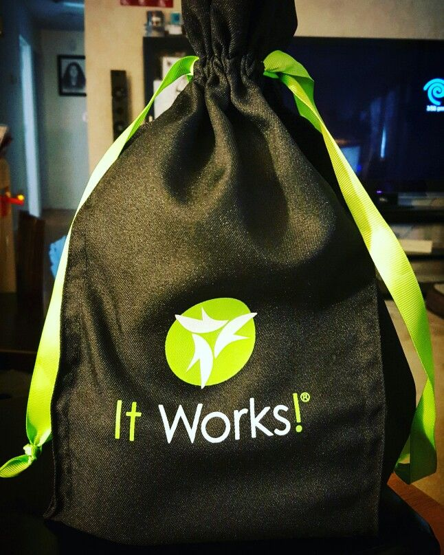 Wanna find out how to win this bag of It Works products?  Leave a comment!  #sharingthelove #freeisawesome #itsnotatrap #ilovesurprises #healthandwellness #exciting