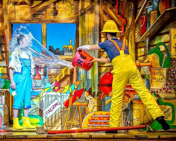 THEATRE REVIEW: Roger Crow is at York Theatre Royal for the annual panto shindig with Berwick Kaler in JACK AND THE BEANSTALK... https://www.on-magazine.co.uk/arts/yorkshire-theatre/jack-and-the-beanstalk-review-york-theatre-royal/