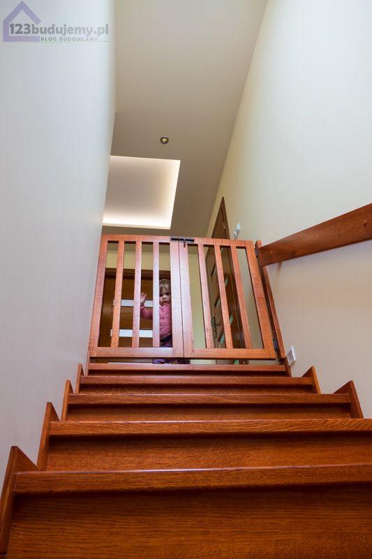 Bezpieczne schody dla dzieci, braka, barierka zabezpieczenie schodów #Stairgate @stair