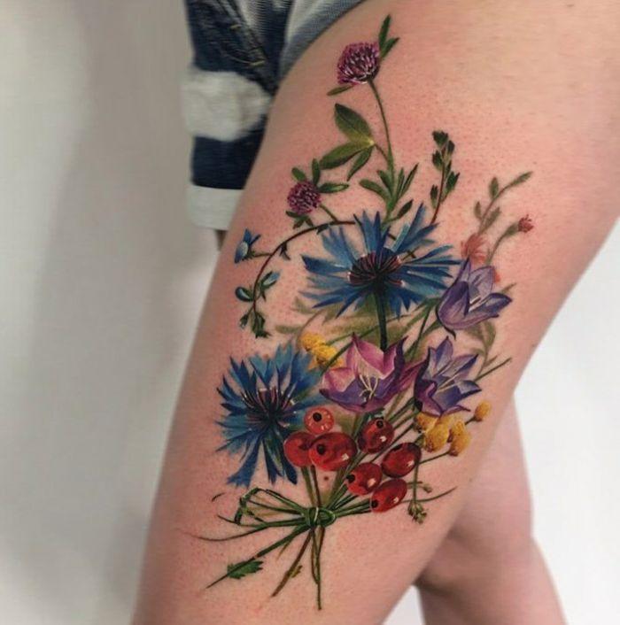 1001 Ideas De Tatuajes De Flores En Diferentes Estilos Tatuajes En El Muslo De Flor Tatuajes De Flores Tatuajes De Muneca De Flores