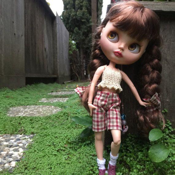 Kostkované kraťasy Blythe výstroj, 12 palců panenky oblečení, letní panenka skříň, panenka šortky a tílko, letní panenky oblečení, Blythe boardshortů