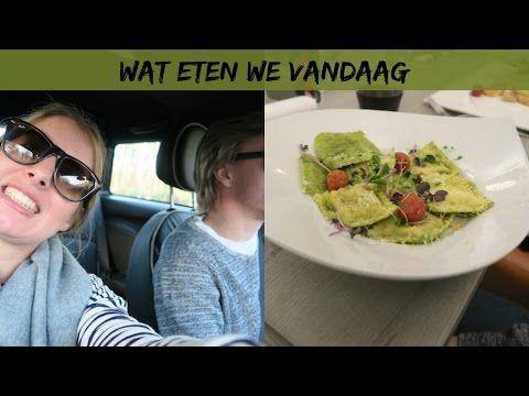 Gevulde bladerdeegsterren met salade - Lekker en Simpel
