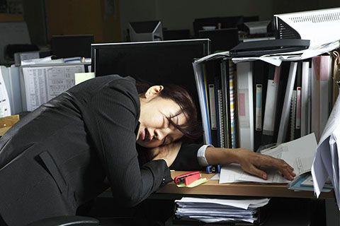La adicción al trabajo nos ha traido un enorme costo, un decremento de nuestra salud. Estas son algunas de las formas de cómo superar la adicción al trabajo.