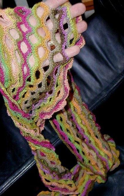 [Free Pattern] The Perfect Spring Scarf Pattern - http://www.dailycrochet.com/free-pattern-the-perfect-spring-scarf-pattern/