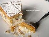 La cassata al forno è un dolce tipico siciliano che non ha nulla da invidiare alla cassata più nota. Pasta frolla e crema di ricotta in un connubio perfetto