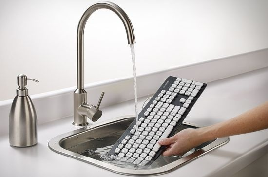 http://gizmochunk.com/wp-content/uploads/2012/08/logitech-washable-keyboard.jpg