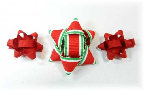 Present bow toppers made from ribbon (and used for hair clips) ~ why it hasn't occured to me to do this yet, I don't know. They are cute!