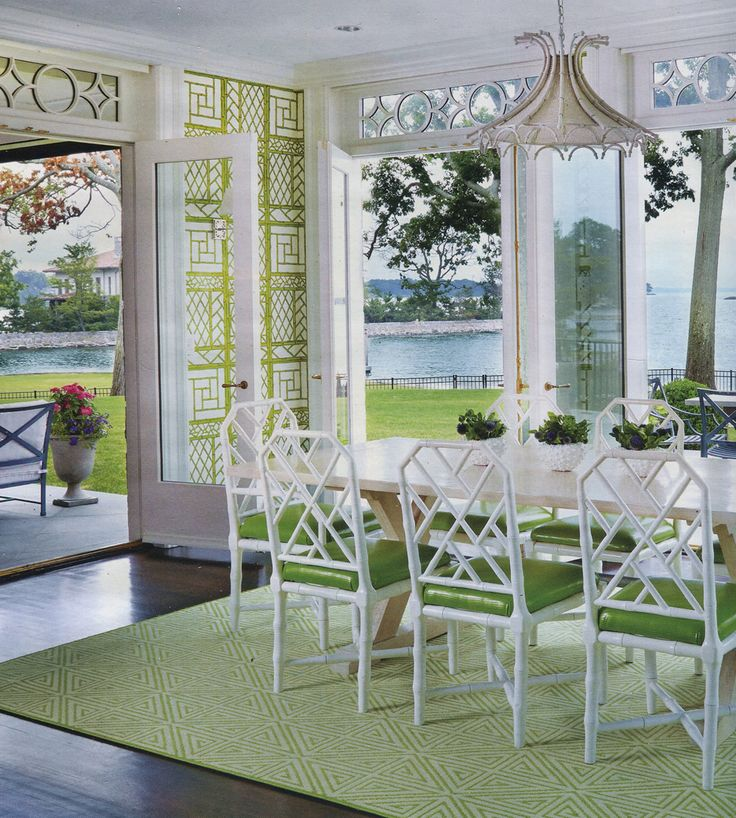 Chinoiserie Chic: Green and White