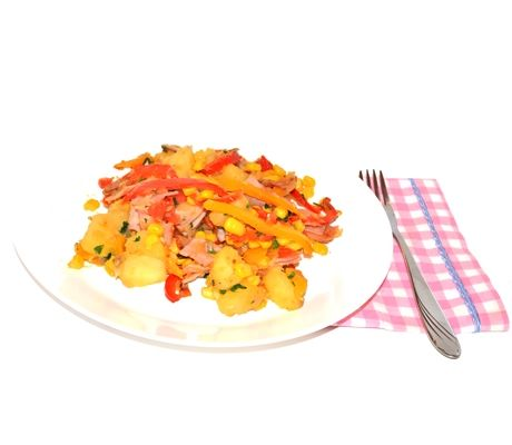 Cartofi gratinati cu sunca si ardei
