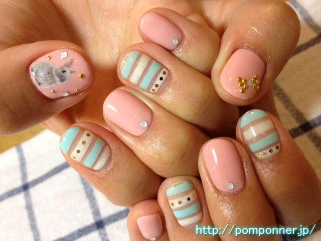 ふんわりとした色合いのボーダーネイル (Border nail shades and fluffy)
