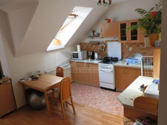 Na predaj 2 izbový mezonetový byt Martinák Nitra - Čermáň