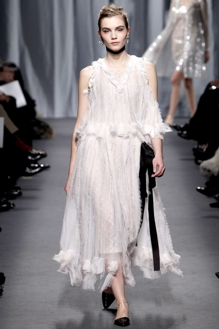 1000+ Ideas About Chanel Wedding Dress On Pinterest