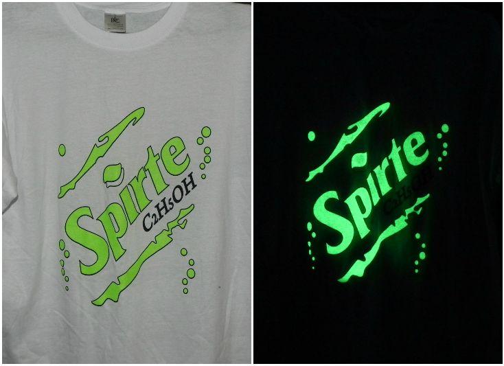 Креативный светящийся принт на футболке. Светящаяся краска для печати на текстиле - AcmeLight Textile ***** Creative glowing print on a T-shirt. Luminescent paint for printing on textiles - AcmeLight Textile #glowing #print #T-shirt #paint #светящаяся  #краска  #текстиль