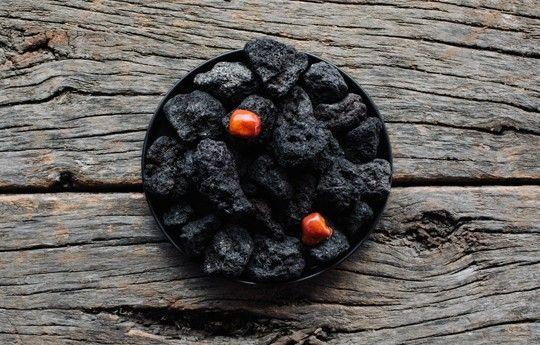La mission del Boragò è quella di servire portate basate sull'utilizzo di prodotti endemici, locali. Materie prime che il suolo e il mare cileno offrono nella loro unicità, congiuntamente alle tradizioni pervenute dalle antiche popolazioni autoctone.