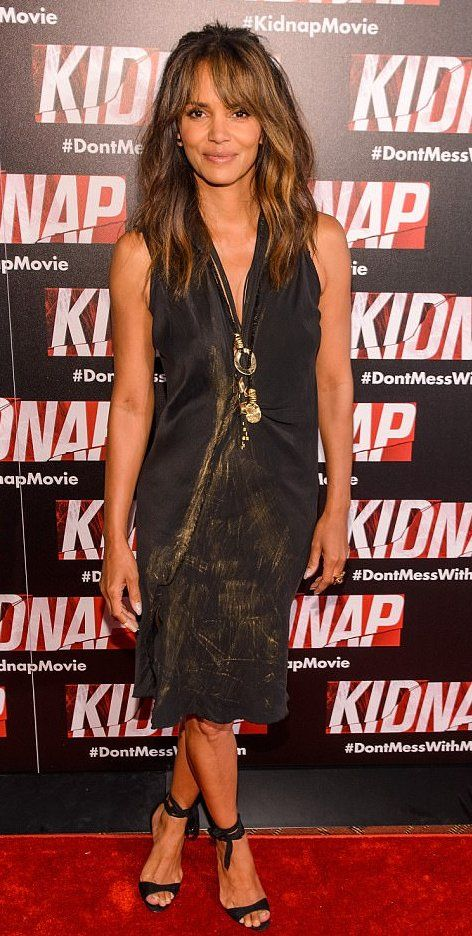 "Halle Berry attends the ""Kidnap"" premiere in Chicago. #bestdressed"