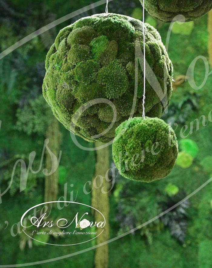 Sfere di Muschio Polemoss Stabilizzato e sullo sfondo Parete Vegetale Stabilizzata