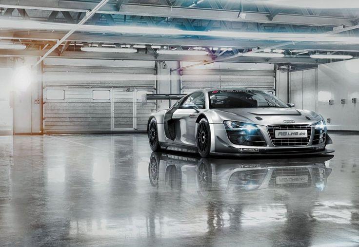 KOMAR Fototapete Audi R8 Le Mans, 368 x 254 cm / 8-tlg.: Amazon.de: Baumarkt