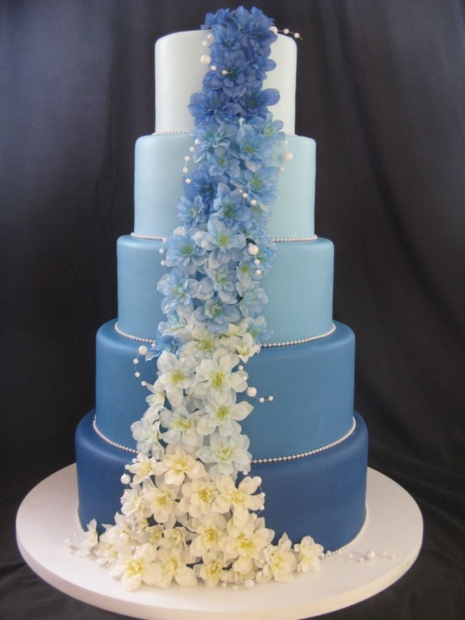 Best 25 blue round wedding cakes ideas on pinterest green round cascade of blue round wedding cakes junglespirit Gallery