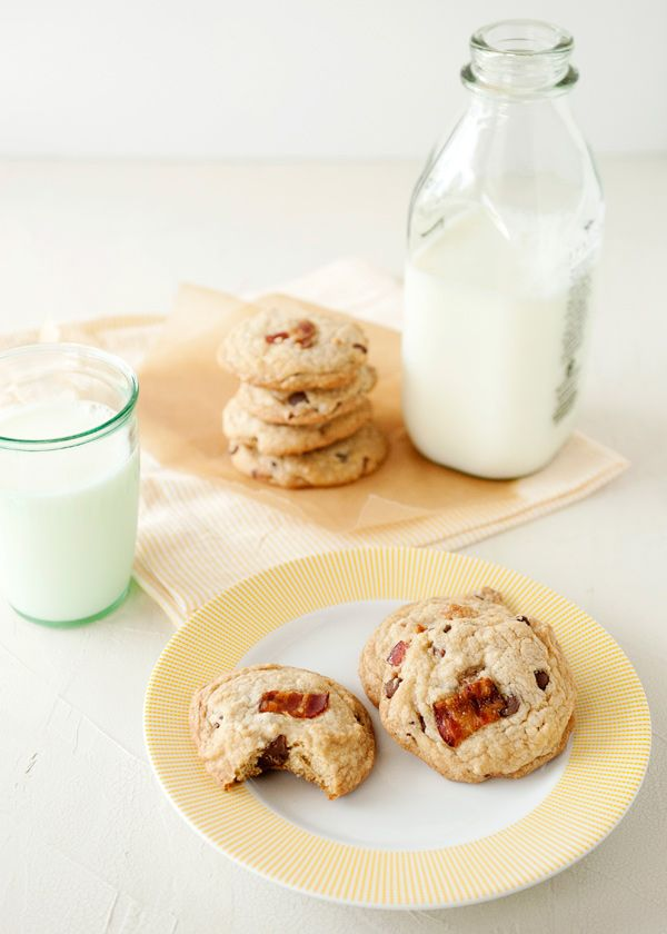 candied bacon chocolate chip cookiesBaking Brees, Chips Cookies Ben, Chocolates Chips Cookies, Candies Bacon, Bacon Chocolates, Bacon Cookies, Bacon Chocolate Chips Cookies, Chips Cookies Could, Chocolate Chip Cookies