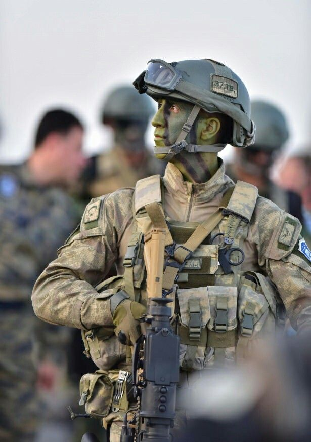 Turkey special forces- (Maroon Beret)-