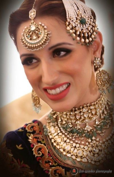polki jewellery , royal jewellery , muslim bride , jhoomer , passa , maang tikka , layered necklace , earrings