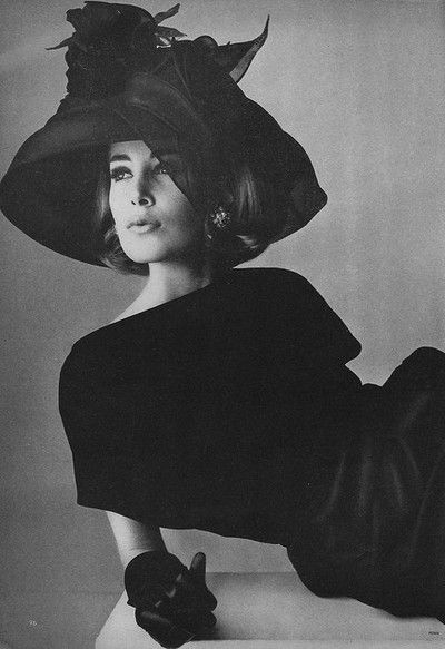 Irving Penn for Vogue,1964. Why can't people still dress like this?