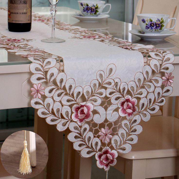 安いテーブルランナー刺繍シンプルヨーロッパ田舎のタイプスタイル花ピンクベッドランナー結婚式/パーティー/宴会/クリスマス、購入品質テーブルランナー、直接中国のサプライヤーから:テーブルランナー刺繍シンプルヨーロッパ田舎のタイプスタイル花ピンクベッドランナー結婚式/パーティー/宴会/クリスマス