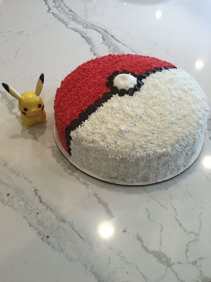 Pokemon Birthday Cake!  Easy design for Pokemon fan...gotta catch them all!  (Logan 9th Birthday Party)