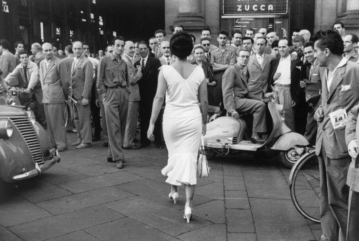 Mario De Biasi Gli_ taliani si voltano_Milano 1954