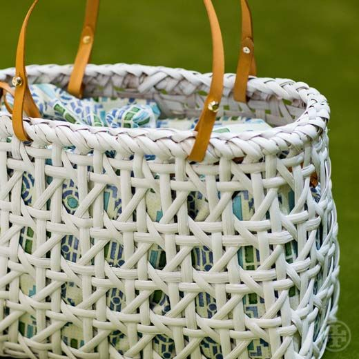 Natural beauty: A bag inspired by rattan woven baskets #toryspring14 #nyfw