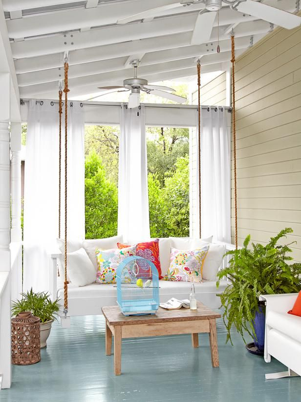 porch: enclosed with daybed swing.