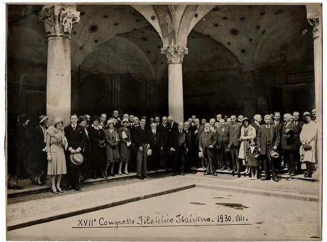 Congresso filatelico al Castello nel 1930- si vedono le decorazioni del portico della Rocchetta | da Milàn l'era inscì