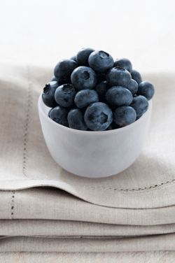 Need another reason to add blueberries to your grocery list? Discover how blueberries benefit your eye health! www.wellnessresources.com