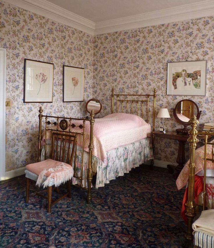Bibleofbritishtaste On Instagram Guest Bedroom Domenicamoregordon With Her Victorian Rooms Victorian Bedroom Living Room Interior