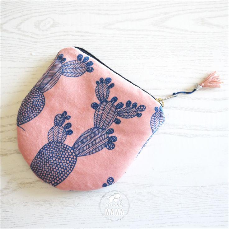 """Round Pouch rosa e blu grafica """"Ficalinni"""", pochette portatutto small in poly spazzolato di SmartmamaLab su Etsy"""