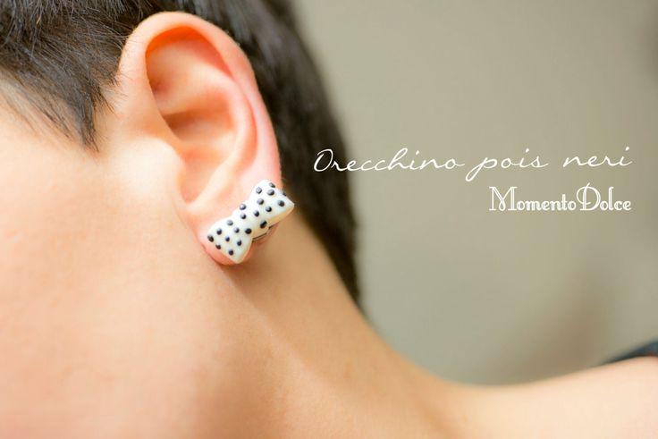 Earring bow black pois