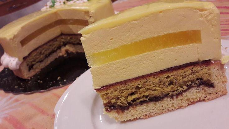 Base frolla sable frangipane con variante alla nocciola, bavarese alla vaniglia aromatizzata al limoncello, gelatina di limone, glassa barry