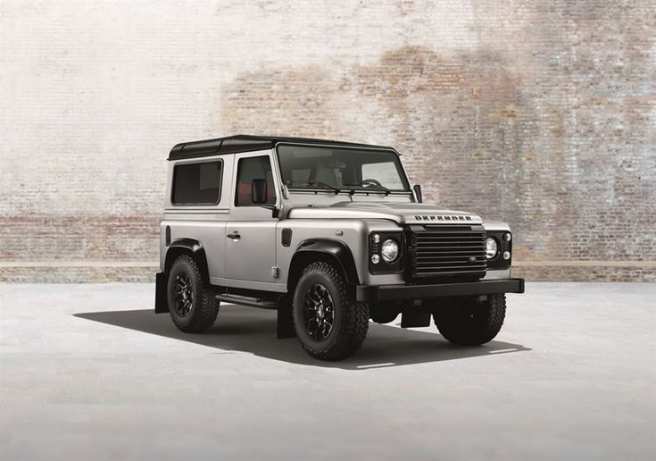 land rover debuts black pack and silver pack defenders