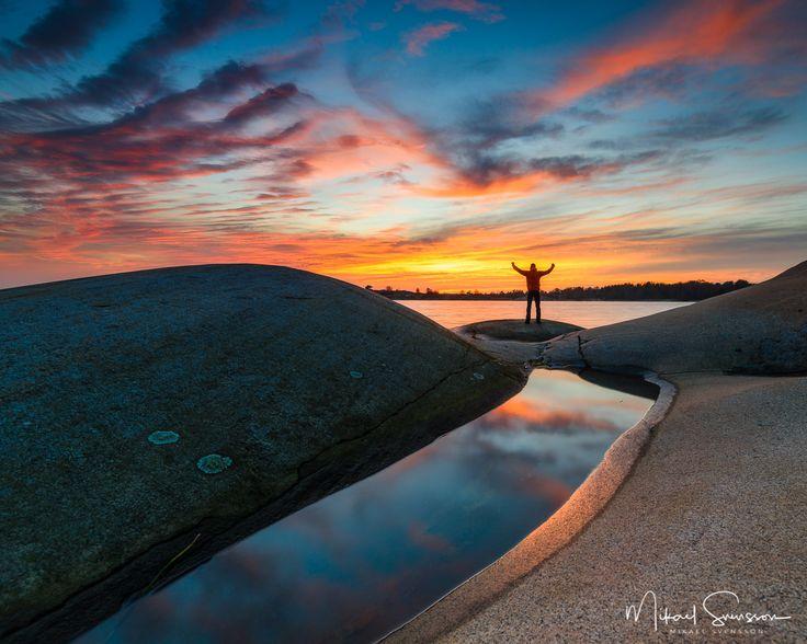 22 November 2016. Ganlet Gothenburg Sweden. #mikaelsvenssonphotography #swedenimages #sunrise_sunsets_aroundworld #naturemoments #thebestofscandinavia #sweden_photolovers #ig_mood #ig_masterpiece #water_captures #visitsweden #water_shots #västkusten #superb_photos #fineart #seascape #nikonpro #igersgothenburg #ig_week_scandinavia #visitgothenburg #mittgöteborg #goteborgcom #lifeisgood #embracethemoment #adventureisoutthere #outdoorlife #nikonpro