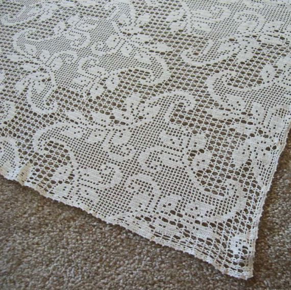 Crochet Tablecloth : vintage hand crochet tablecloth white filet lace by missivyvintage