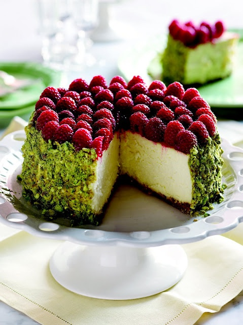 raspberry and pistachio cheese cake wow!