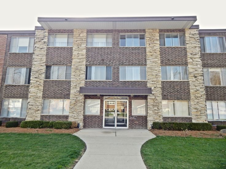 Why Rent When You Can Own a Home For Less? This 1st Floor 2 Bedroom & 1.5 Bathroom Condo in Oak Lawn is Truly a Great Deal! Freshly Painted / Open Living Space / Nice Oak Cabinets / Breakfast Bar / Built In Dining Room Shelving / Storage Locker / Plenty of Parking / Close to Good Schools, the Metra & I-294, this Condo is Move-In Ready! Just Bring Your Finishing Touches & Enjoy Home-Ownership!