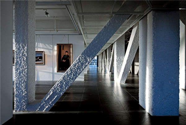 Image result for 北京中间建筑•艺术家工坊