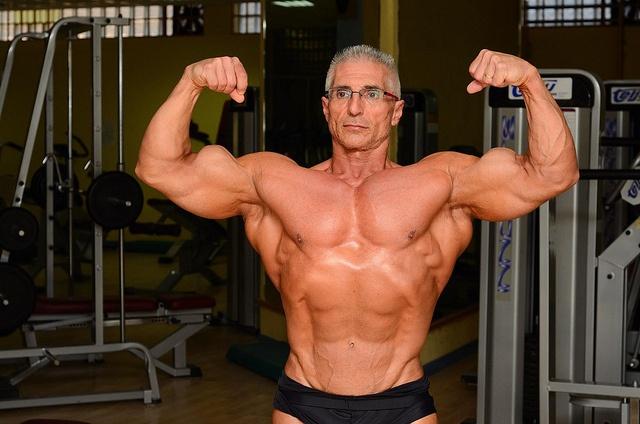 Daddy bodybuilder huge double biceps by hedislimanedior85 ...
