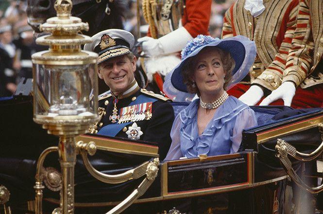 Мать Дианы на ее свадьбе (в карете с принцем Филиппом ...
