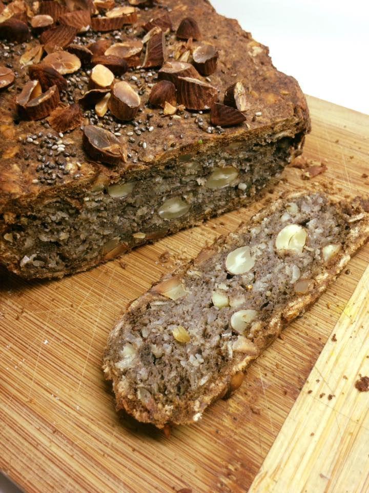 Pan de almendras con semillas y multi granos.   sin gluten, sin azúcar refinada, sin lácteos ni grasa animal, sin huevo        Ingredientes...