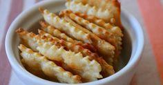 Az ízfokozókkal teletömött bolti chips helyett készítsünk házi nassolnivalót! Nem bonyolult elkészíteni és sokkal jobbat lehet belőle enni, ráadásul egészségesebb is.